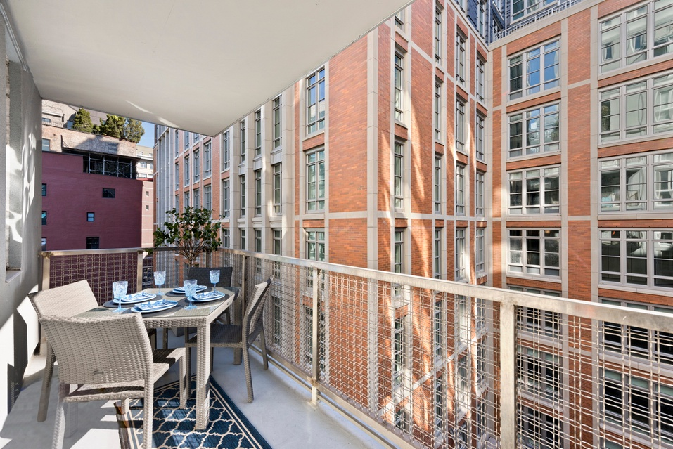 New soho tribeca 2 bedroom 2 bathroom with terrace 2 br for Tribeca apartment for sale